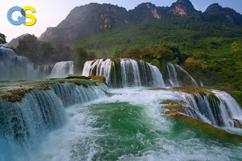 Tranh dán tường 3D thác nước QS025
